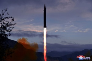 Entenda como o míssil hipersônico circunda a Terra com velocidade acima do som