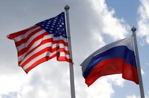 Os dois países estão discutindo o número de diplomatas que podem mandar à capital um do outro